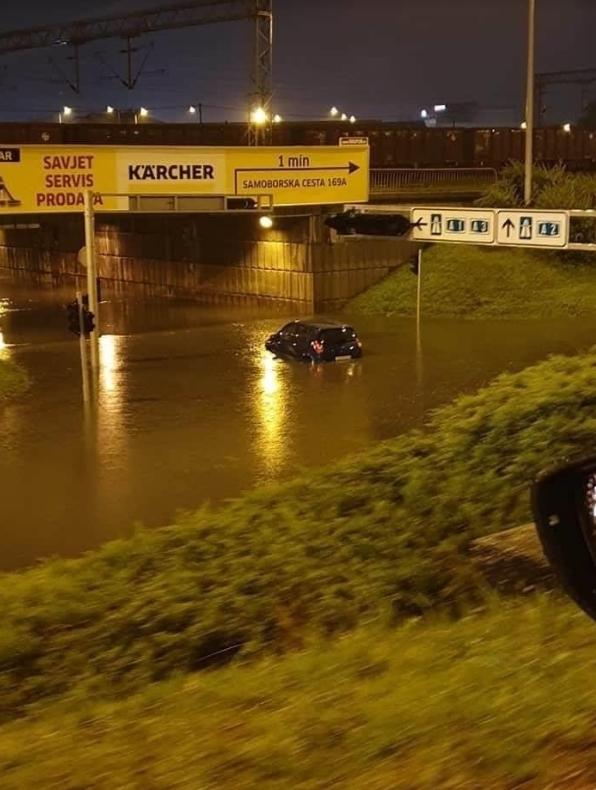 По поплавите во Загреб се огласи градоначалникот- За жал, не можам да го испијам дождот