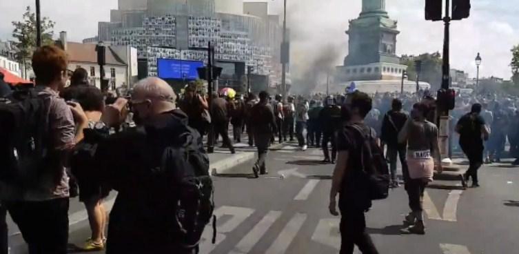 Судири на Плоштадот Бастилја во Париз