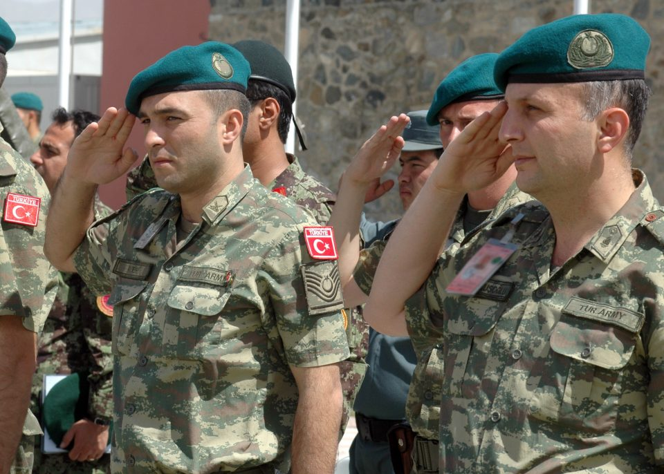 Пет војници загинаа во Турција