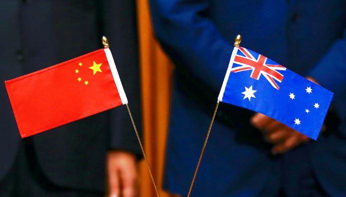 """Австралија нема намера да го """"повреди"""" важниот однос со Кина"""