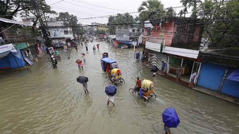 Во поплавите во Бангладеш загинаа најмалку 41 лице