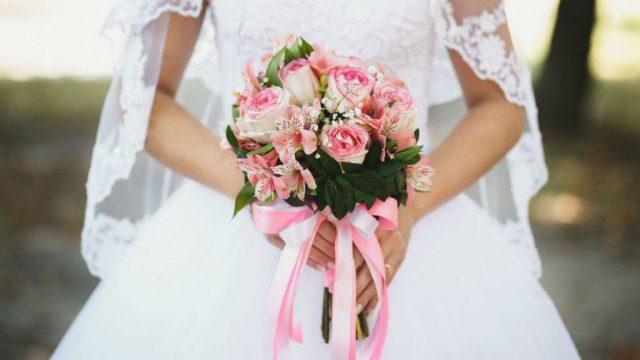 Знаете ли зошто невестата го фрла бидермаерот на свадба, еве каков бил обичајот претходно