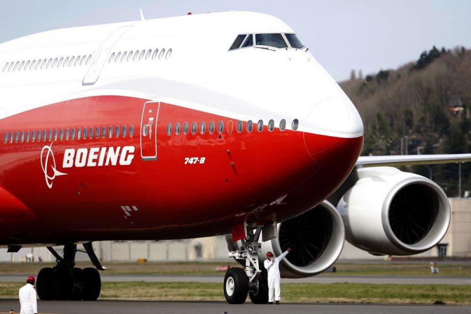 """САД го стопираат производството на авионот """"Боинг 747-8"""""""