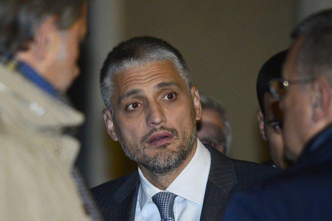 Медиумите пишуваат дека Чедомир Јовановиќ е во критична состојба поради коронавирус, се огласија од неговата партија
