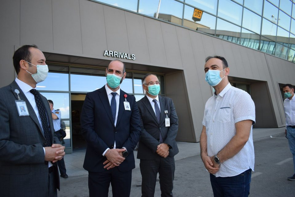 Чулев во посета на граничниот премин на Меѓународниот аеродром Скопје