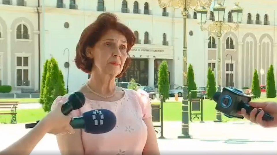 Саше Политико сакаше да ја испровоцира Силјановска Давкова, професорката му ја затвори устата (ВИДЕО)