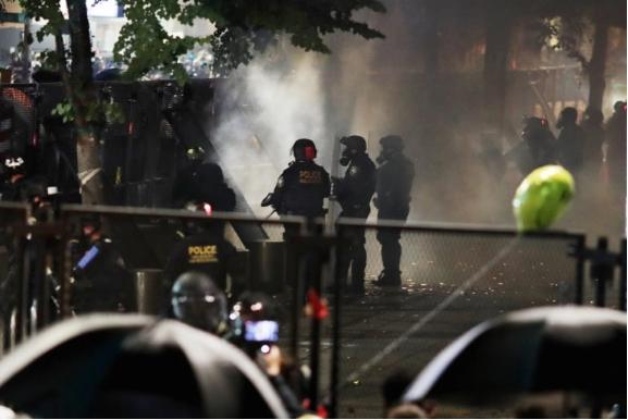 Демонстранти од Портланд поднесоа тужба против федералната полиција