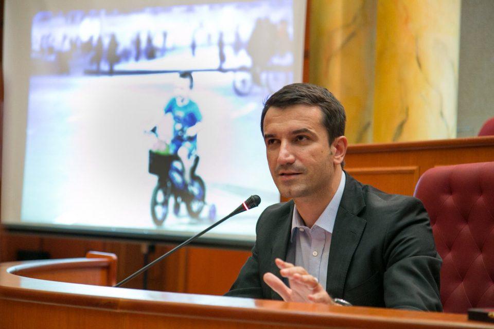 Градоначалникот на Тирана, позитивен на коронавирусот