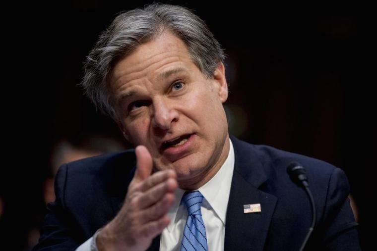 Директорот на ФБИ ја посочи Кина како противник број еден за САД