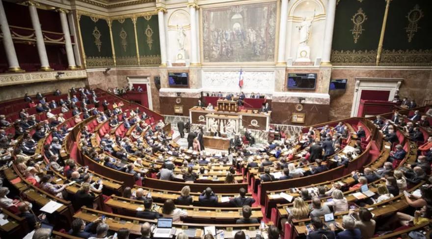 Погледнете ја новата француска влада на Кастекс! (ФОТО)
