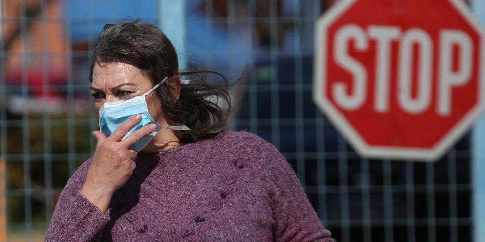 И во Грција се предлага задолжително носење маска во затворен простор