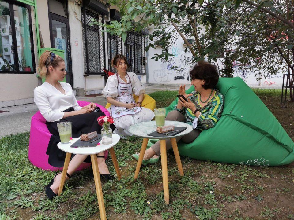 Силјановска Давкова разговараше со младите