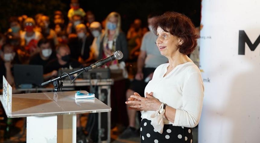 Силјаноска Давкова: Мора да ја обновиме почитта кон вас, кон македонскиот народ кој го понижија