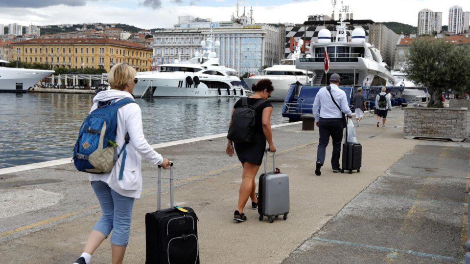 Холандските туристи ги спакуваа куферите од Хрватска