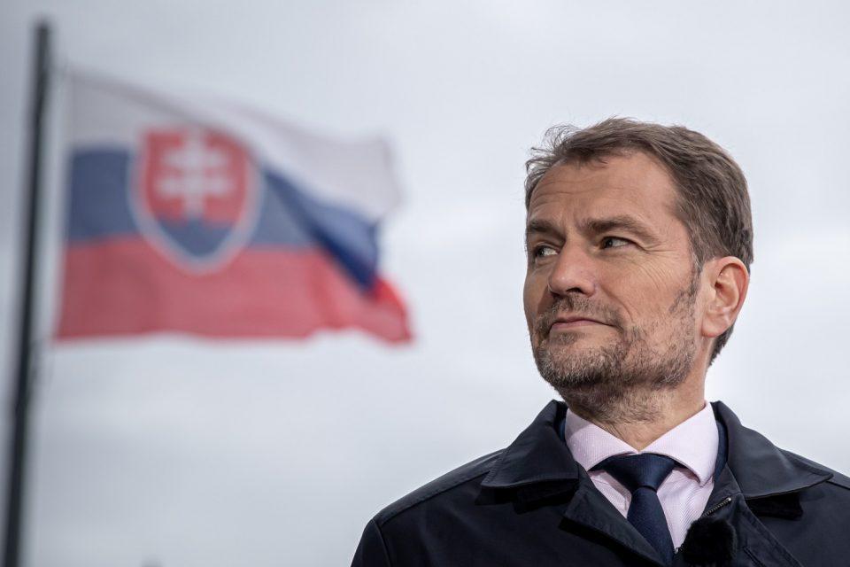 Падна владата на Словачка поради скандал со вакцините