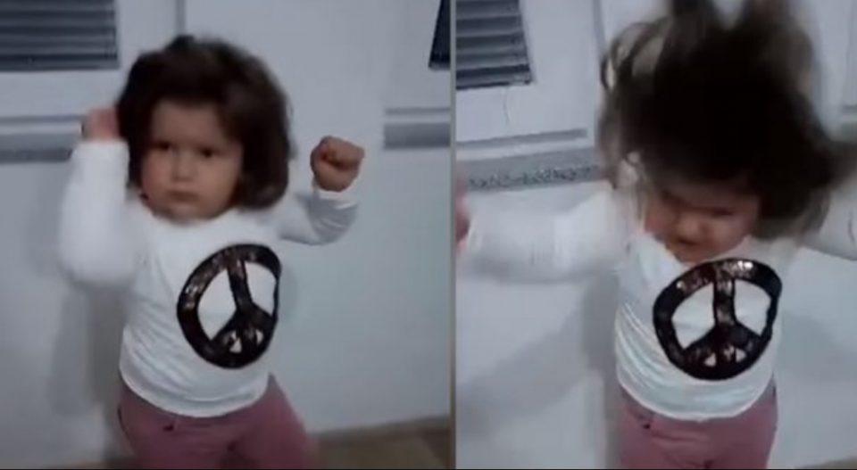Македонско девојче го воодушеви Балканот: Има само 2 години, а веќе знае што е добра музика (ВИДЕО)