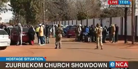 Уапсени 40 учесници во заложничката криза недалеку од Јоханесбург