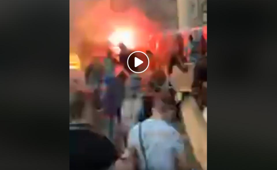 ВИДЕО: Полицијата во Белград се повлекува, демонстрантите влегуваат во собранието