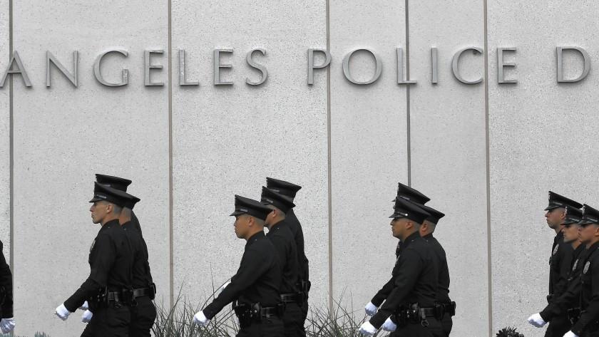 Лос Анџелес го намали буџетот за полицијата за 150 милиони долари