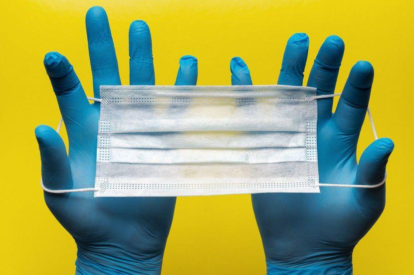 Светски познат инфектолог открива: Дали ракавиците нè штитат од корона вирусот?