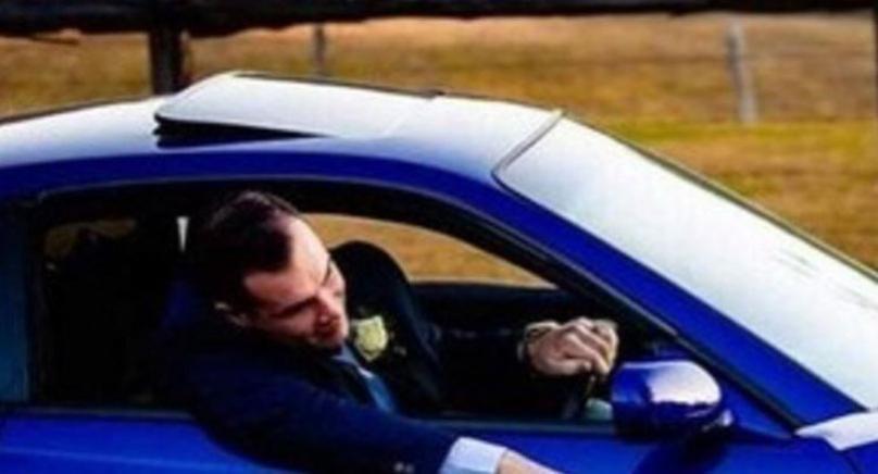 Фотографија од венчавка предизвика бурни реакции на интернет