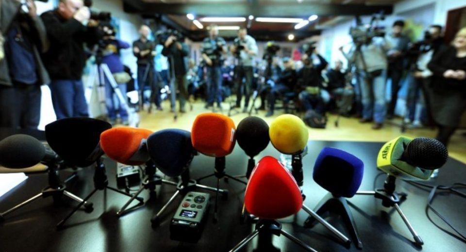 Грозданов вели дека и покрај цензурата граѓаните повеќе читаат опозициски медиуми (ВИДЕО)