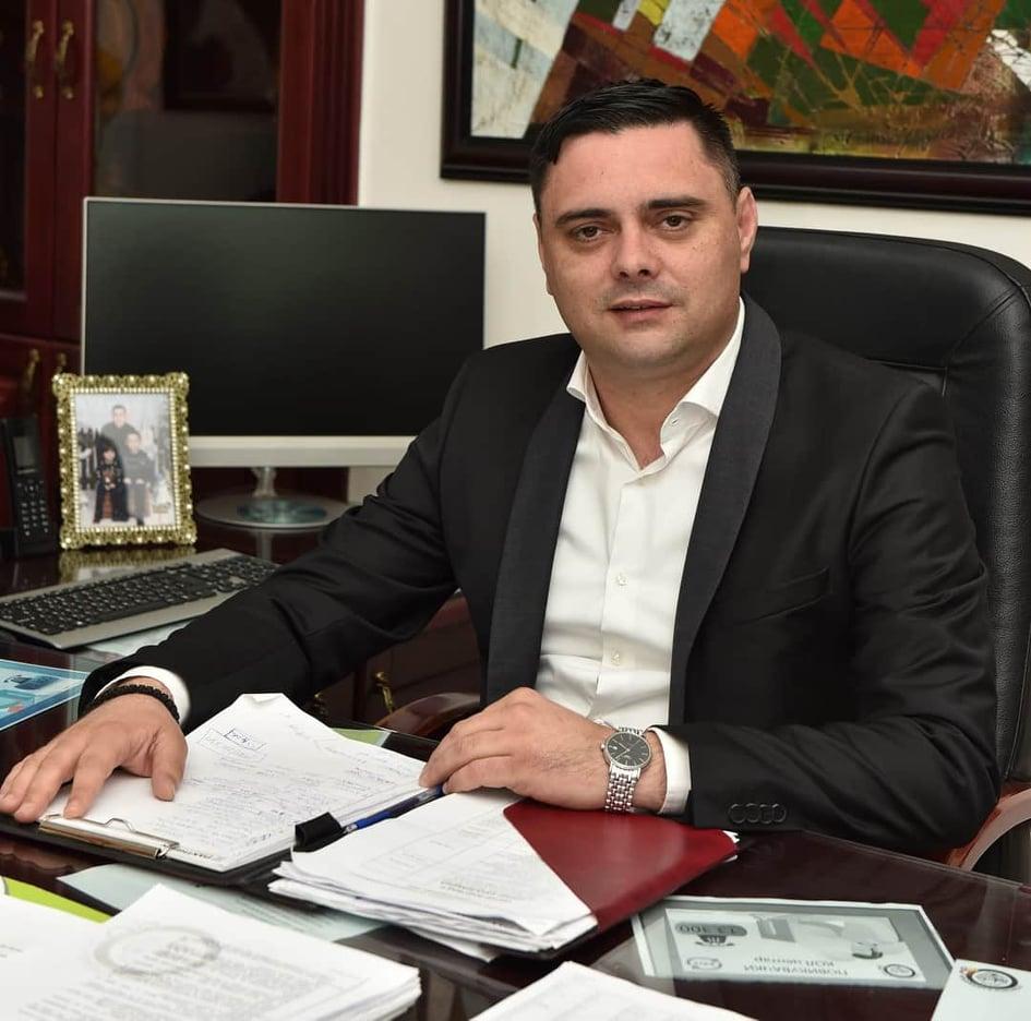 Јанчев со амбиција да го преземе ВМРО-ДПМНЕ- како што вели најмоќната партија во Северна Македонија
