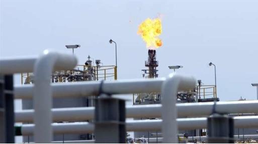 Ураганот Делта затвори две третини од нафтените погони во САД