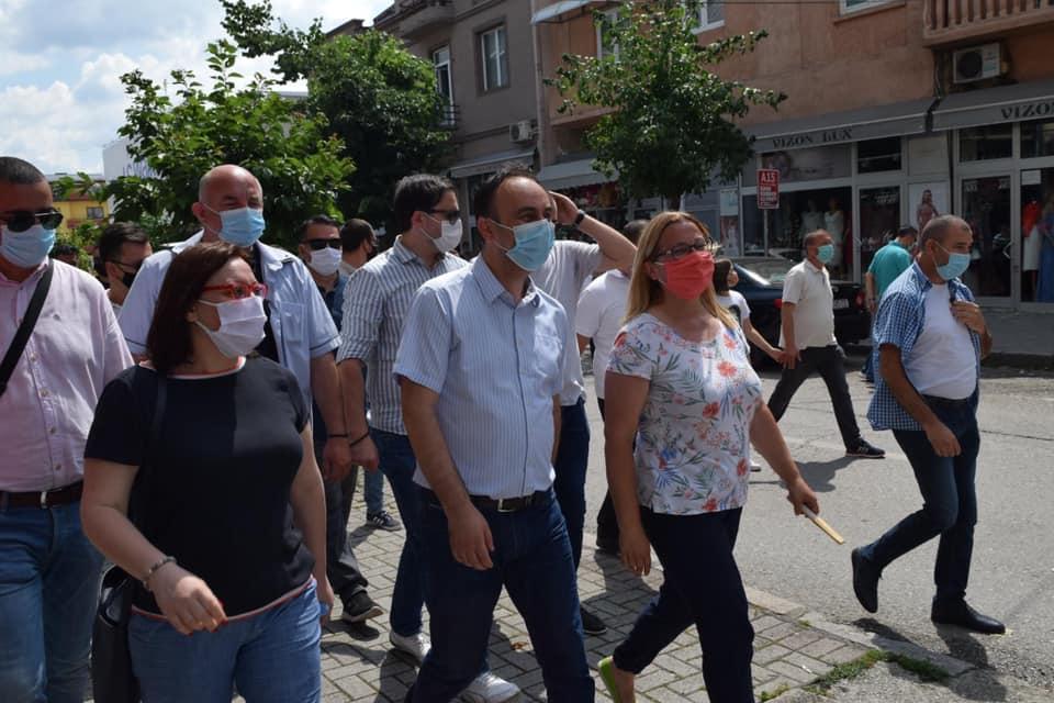 Министерот Чулев на средби со граѓаните во Гостивар