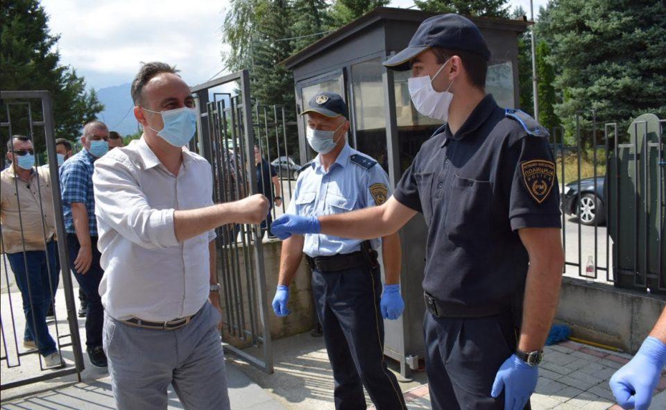 Чулев во посета на полициското одделение Јегуновце