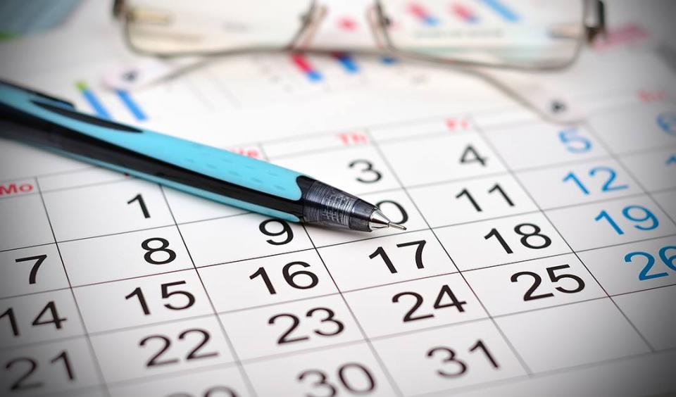 Петок и Понеделник неработни денови