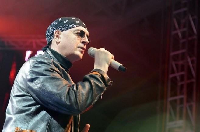 Уапсен синот на легендарниот пејач Оливер Мандиќ