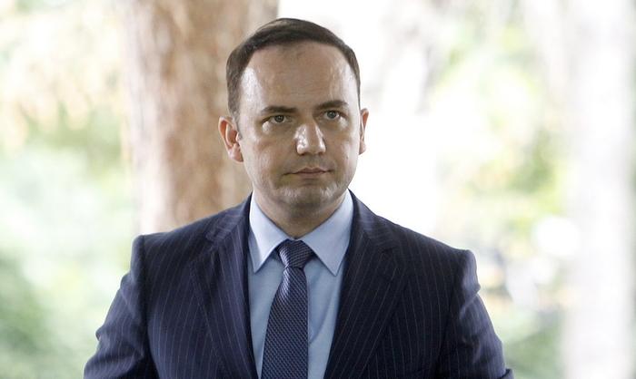 ФФМ нема обврска да се прилагоди на Преспанскиот договори, вели Османи