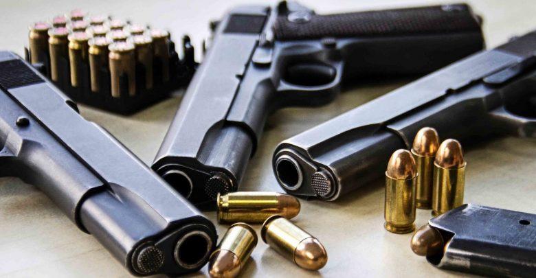 При претрес во дом на 26-годишник од Крушопек пронајдени пиштол и куршуми – лицето приведено