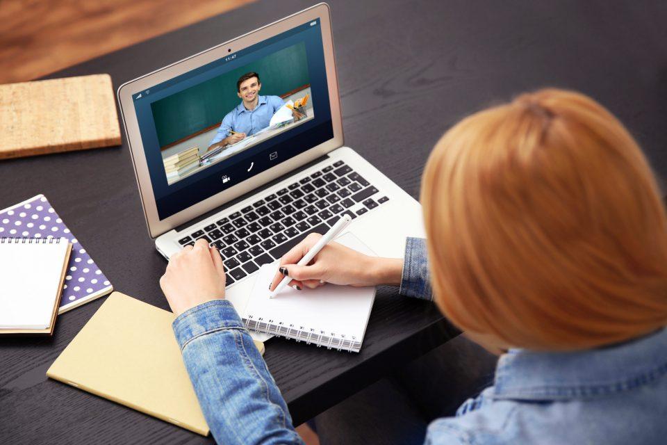 Голем дел од професорите воопшто не се ни запознаени како да работат со дигиталните платформи за предавање