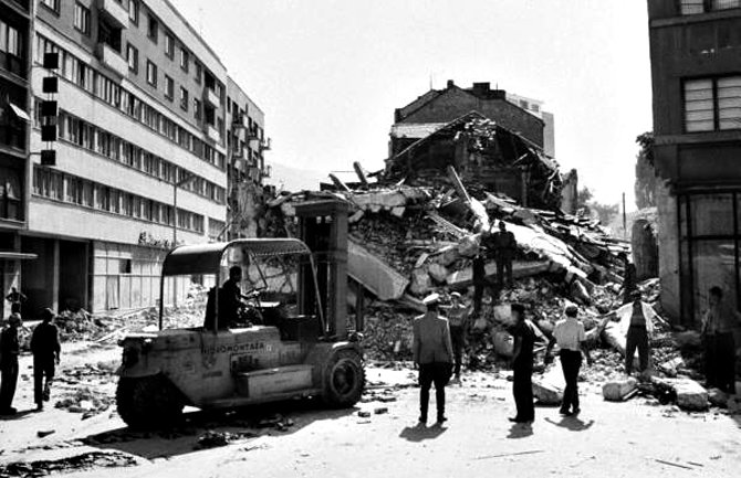 Срцето буквално ќе ви се распара- трагедија која ги потресе скопјани, 7 годишно детенце остана смачкано под урнатините