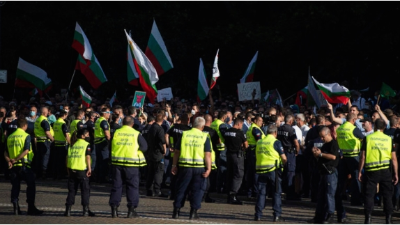После протестите во Софија уапсени 18 лица