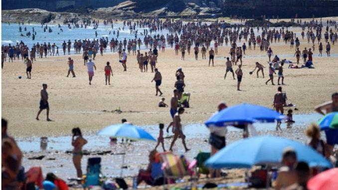 Се затвораат плажите во Шпанија
