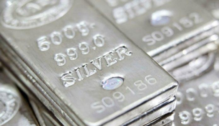 "Среброто е ""злато на малиот човек"", растат и побарувачката и цената"