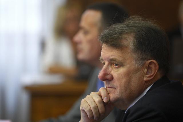 Студентскиот парламент постигна договор со српскиот министер за образование