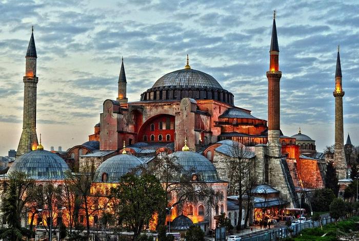 Света Софија во Истанбул повторно ќе биде џамија