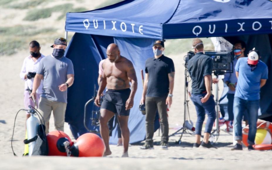 Шампионот изгледа одлично и на 54 години: Мајк Тајсон е полн погодок во секоја смисла (ФОТО)