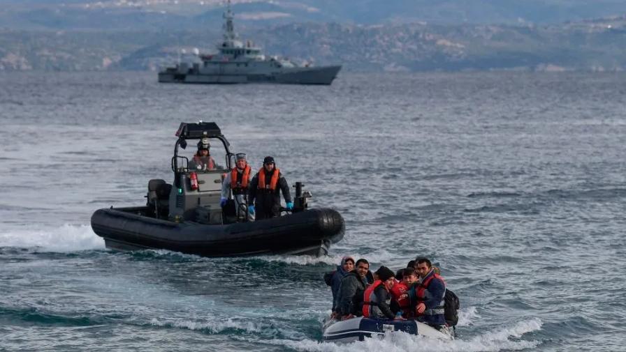 Потона брод во Турција со околу 60 мигранти