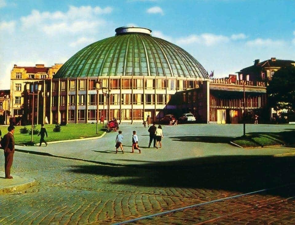 Авалон продукција: Универзална сала треба да остане на исто место, реставрирана, со намален капацитет на 1.000 места