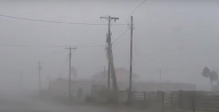 Ураганот Исаја ја погоди Северна Каролина