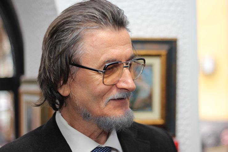 """""""Поезија и толкувања"""", нова книга од Веле Смилевски"""