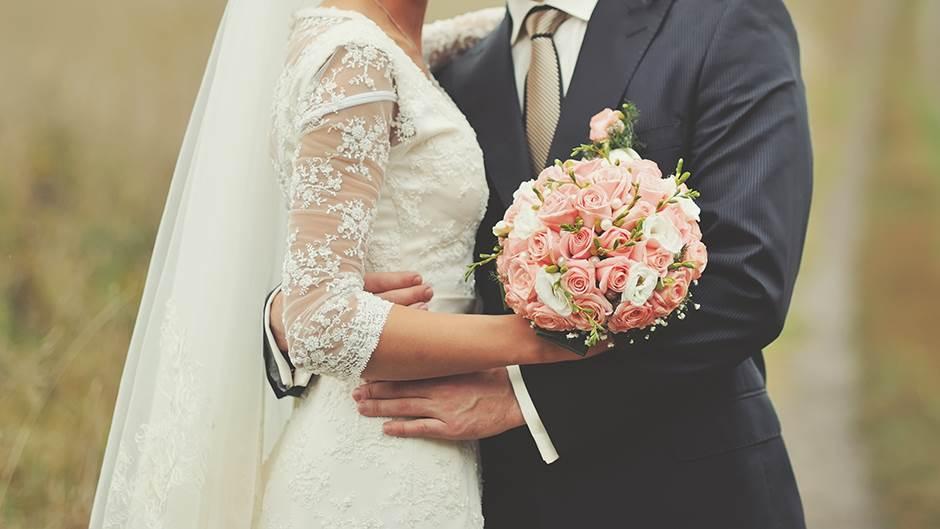 Среќата на самци или разведени луѓе не заостанува далеку од оние што се во брак