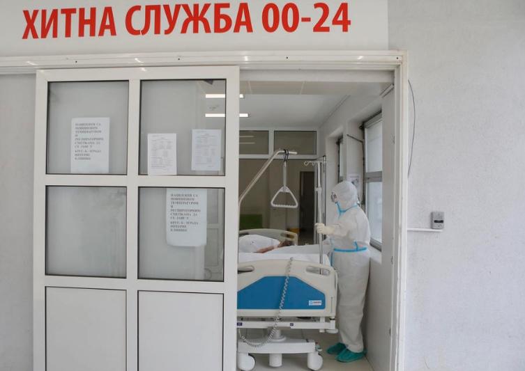"""""""ВРИЕ"""" ВО СОСЕДСТВОТО: Близу 8.000 новозаразени, починале 26 пациенти"""
