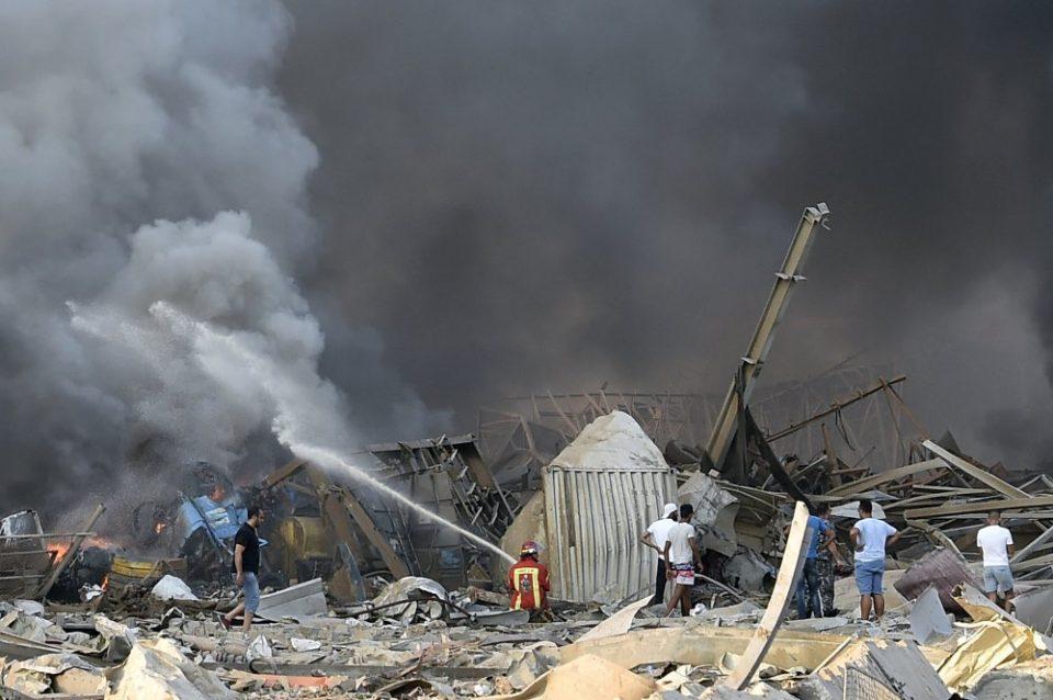 24 часа по експлозијата во Бејрут од под урнатините е извлечено преживеано девојче