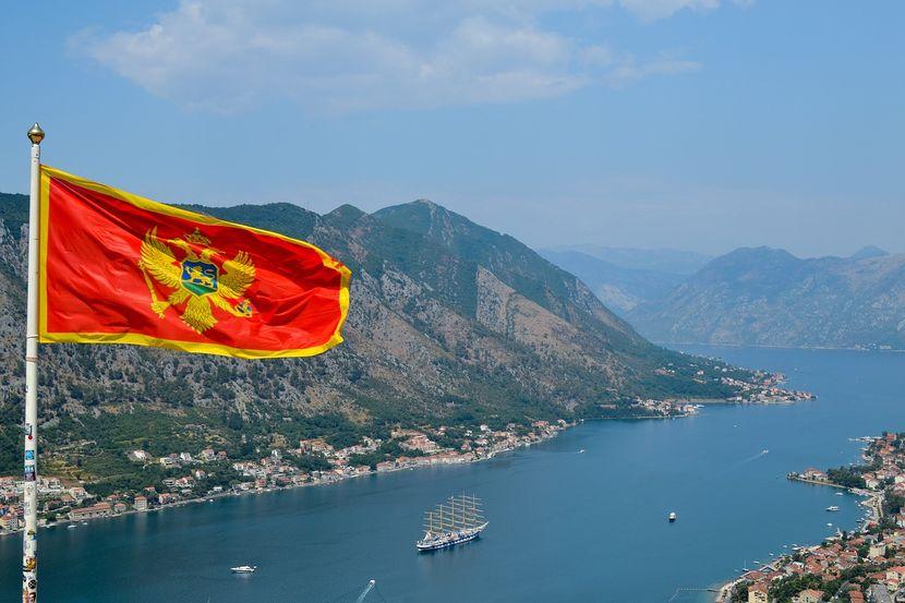 Црна Гора ги отвора границите за Русите и Азербејџанците